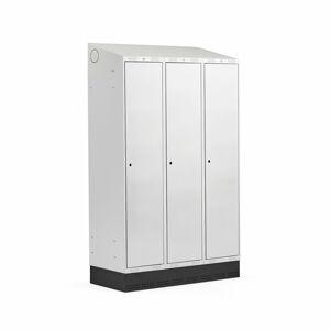 Šatní skříňka Classic, šikmá střecha, se soklem, 3 sekce, 2050x1200x550mm, šedé dveře